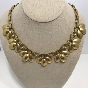 Stella dot brushed gold flower necklace